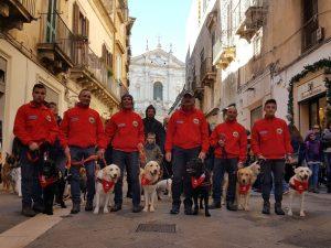 LECCE, PASSEGGIATA DI NATALE CON GLI AMICI A 4 ZAMPE, PARTECIPAZIONE DA RECORD @ Lecce | Lecce | Puglia | Italia