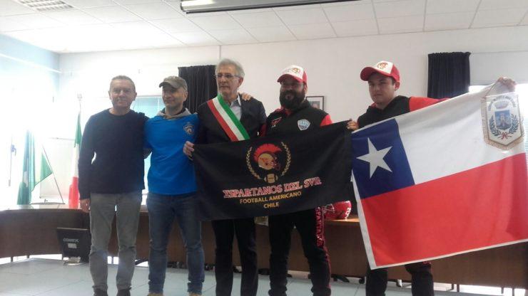 """FOOTBALL AMERICANO, IL TEAM DEL CILE IN VISITA IN ITALIA A """"CASA"""" AICS"""