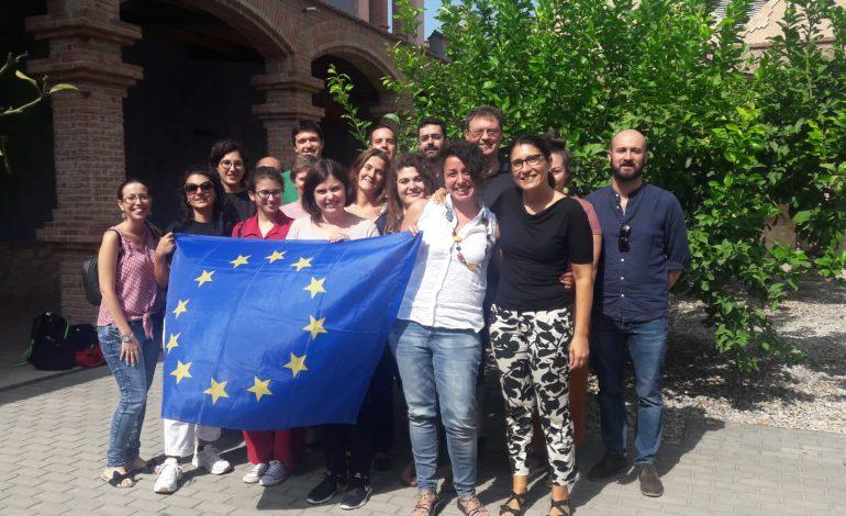 """MIGRAZIONI, con il PROGETTO AiCS """"BRIDGES"""" LA MAPPA DELLE CRITICITA' NEL FENOMENO IN EUROPA"""