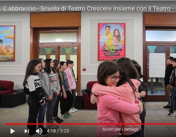 I NOSTRI VOLONTARI – A Salerno la voglia di un abbraccio diventa un corto grazie al progetto sociale AiCS